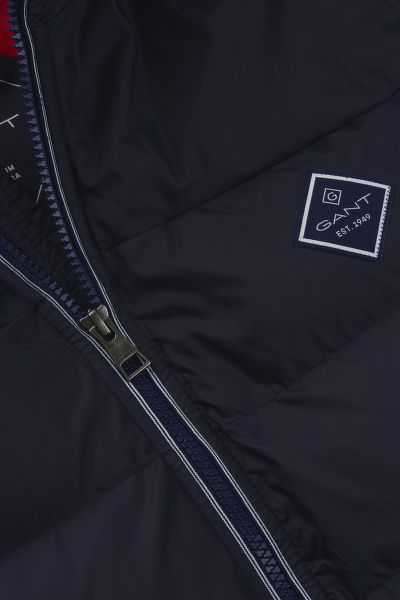 VESTA GANT D1. THE ACTIVE CLOUD VEST