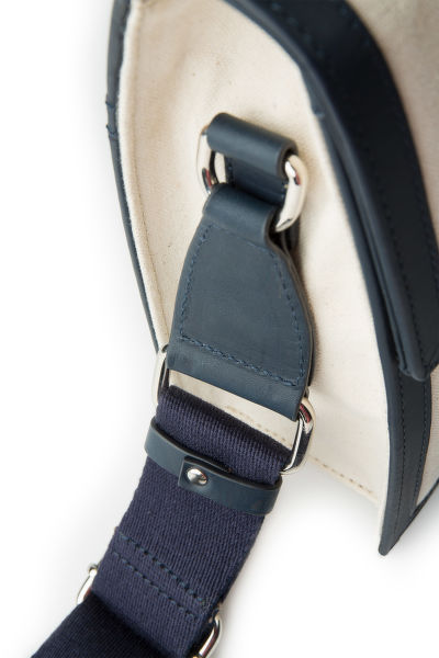 TAŠKA GANT D1. CANVAS SHOULDER BAG